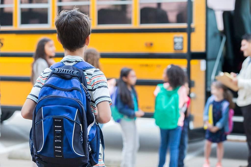 kid schoolbus